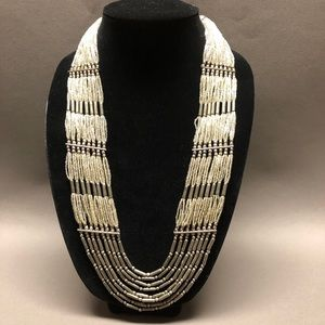 Jewelry - Vintage long necklace.